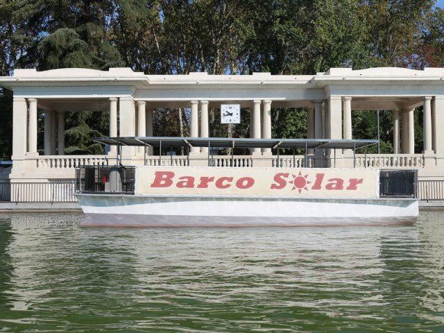 Retiro-estanque-barco-solar